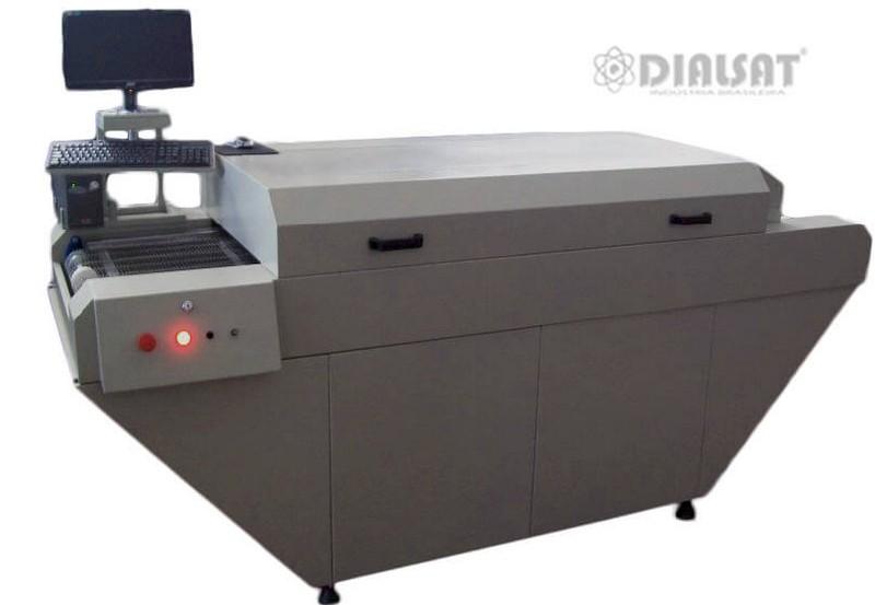 Forno de refusão para solda de placas de circuito impresso smd